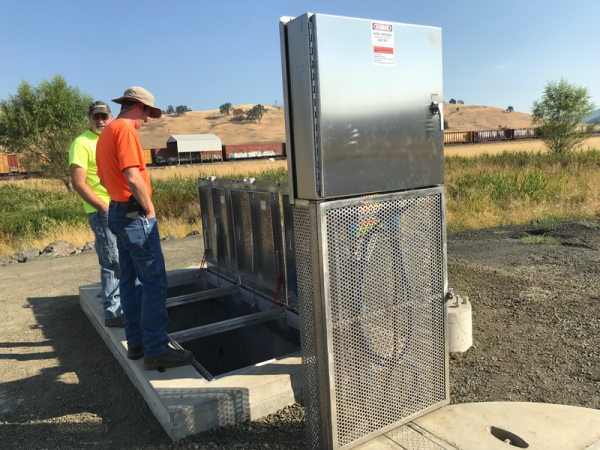 Wastewater Lift Station Disconnect Stand and Valve Vault